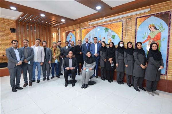 افتتاح اولین کافه بیمه در شعبه شیراز بیمه کارآفرین