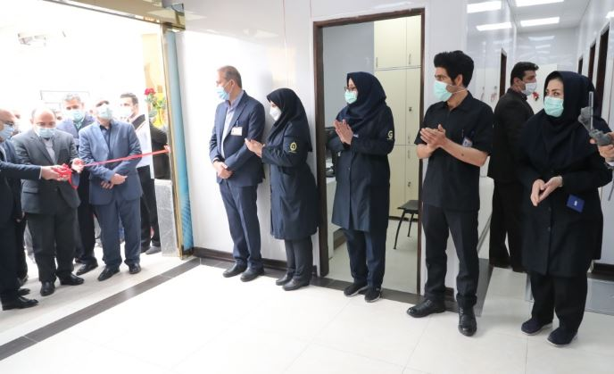 تقدیر عضو هیات عامل و معاونت منابع انسانی بانک از مدافعان سلامت بیمارستان بانک ملی ایران