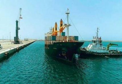 ورود اولین کشتی حامل کالای اساسی در سال جدید به بندر چابهار