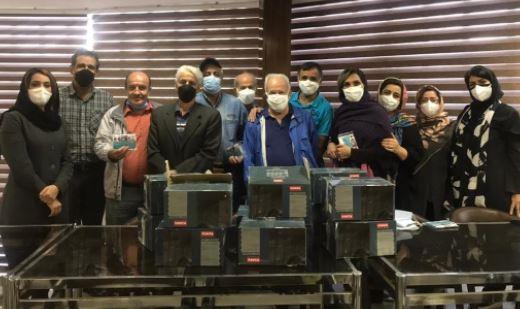 اهدای اقلام بهداشتی توسط بیمه آسماری به کانون ناشنوایان ایران