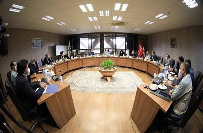 نمایندگان مجلس از فولاد مبارکه به عنوان سرمایه ملی حمایت میکنند