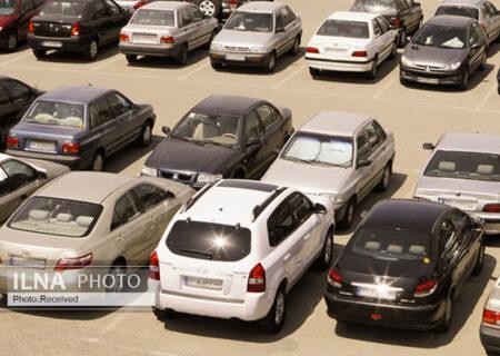 آزادسازی قیمت خودرو صحت ندارد/ آماری از واردات پوشاک استوک نداریم