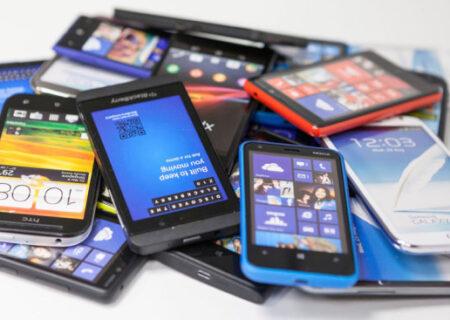 کاهش ۱۲ برابری واردات تلفن همراه مسافری|۳۴۰۰ گوشی لغو ریجستری شد