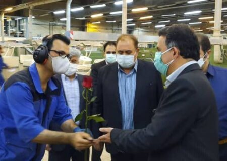 تجلیل از کارگران از سوی اداره امور شعب استان اردبیل