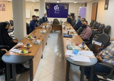 برگزاری نشست مشترک مسوولان شعبه قم بیمه دانا با مدیران بانک رفاه