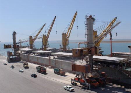 متوسط توقف کشتیهای حامل کالای اساسی در لنگرگاه، ۲ ماه است